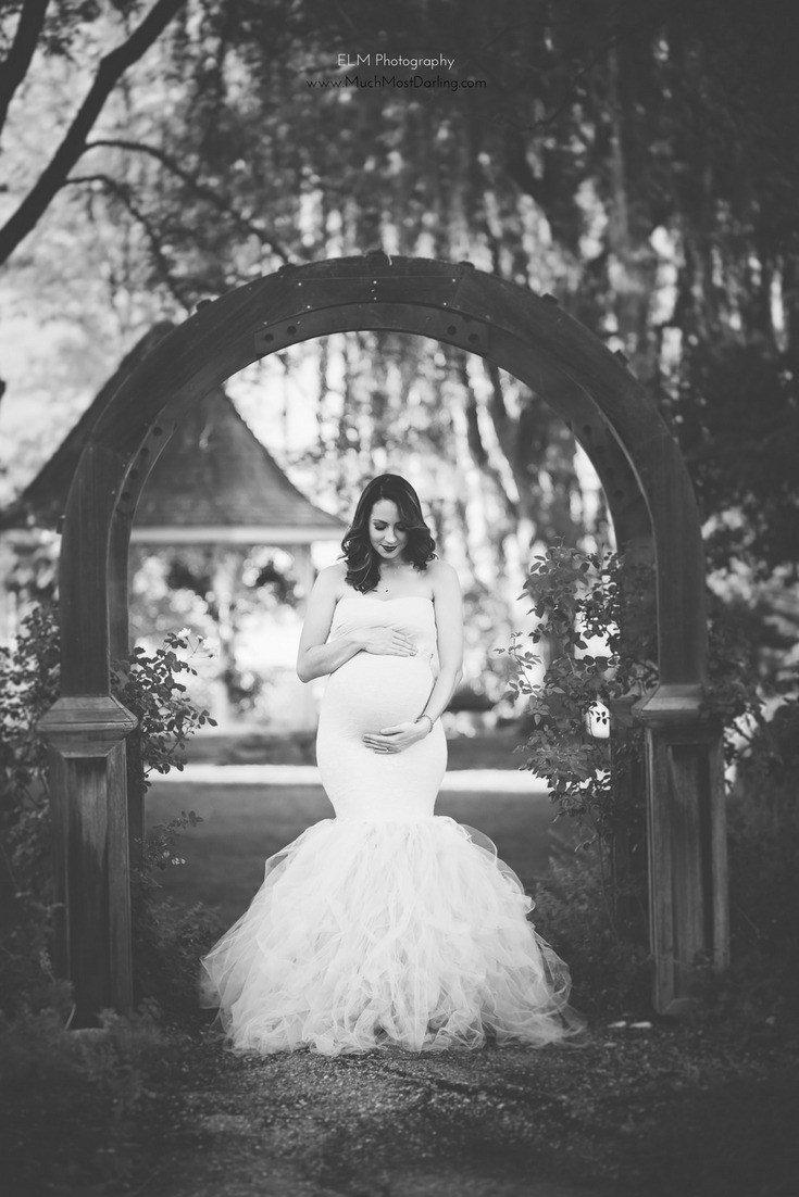 Spring Fall glamorous maternity photo shoot at Idaho Botanical Gardens in white sew trendy pregnancy gown