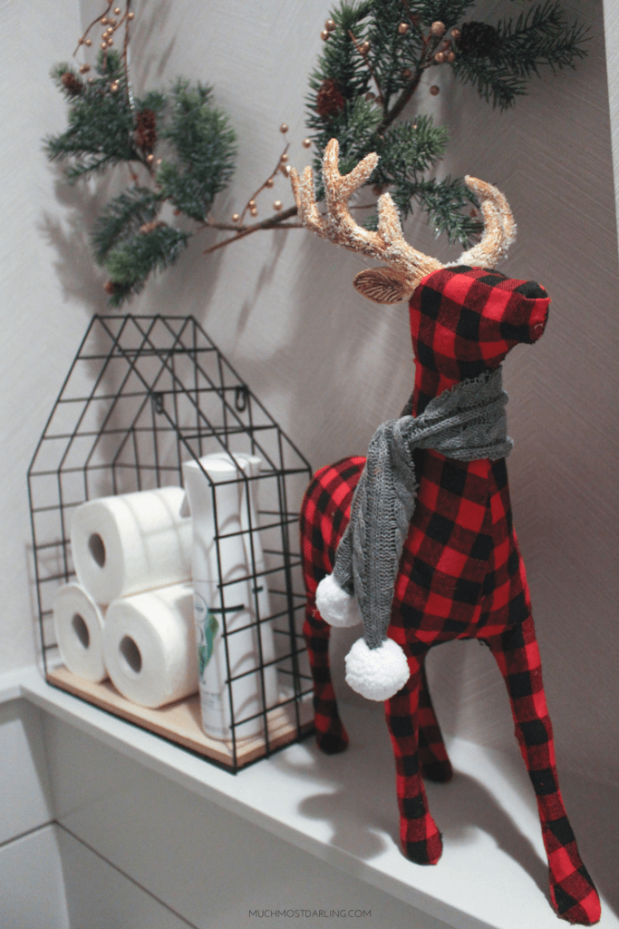 DIY Minimalist Christmas Wreath Decorations | Much.Most