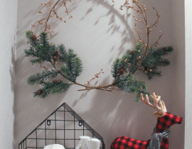 DIY Minimalist Christmas Wreath Decorations
