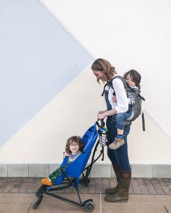 everyday mom style american eagle blue denim overalls lillebaby toddler woven carryon quinny yez stroller tory burch rain boots
