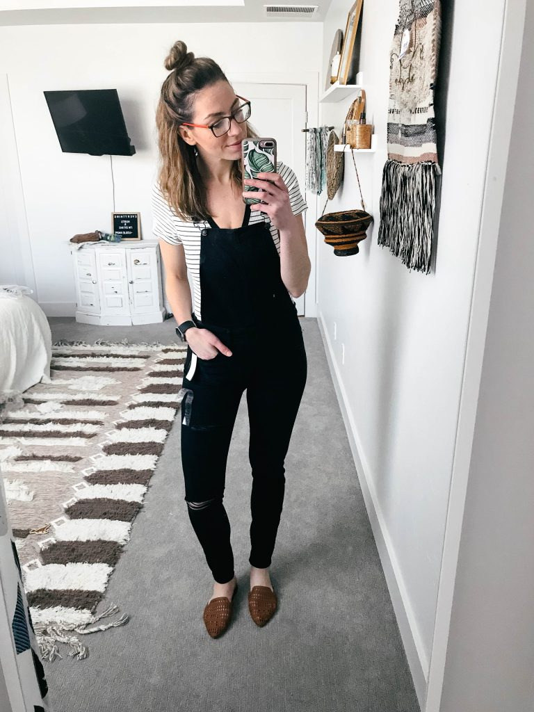 mom style american eagle overalls on a budget-3