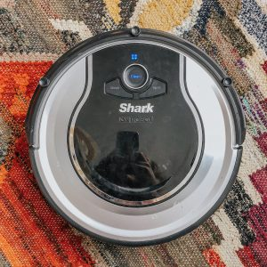 Shark ION ROBOT RV720 Vacuum with Easy Scheduling Remote